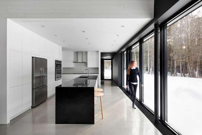 Современная кухня с барной стойкой. Дизайн ACDF Architects