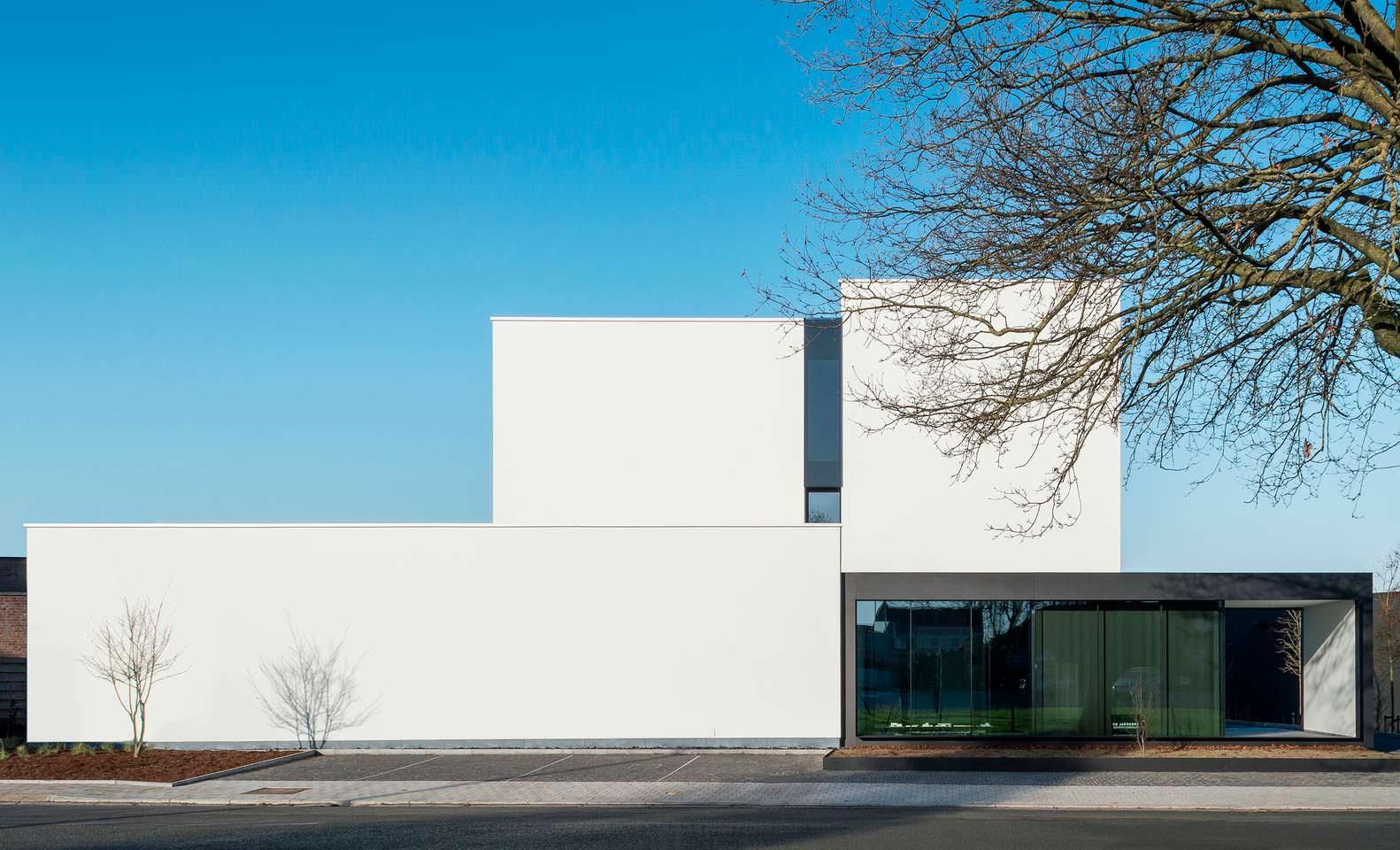 Современный дом в стиле минимализм в Бельгии
