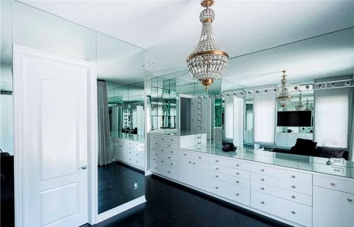 Дизайн гардеробной комнаты в доме Кайли Дженнер