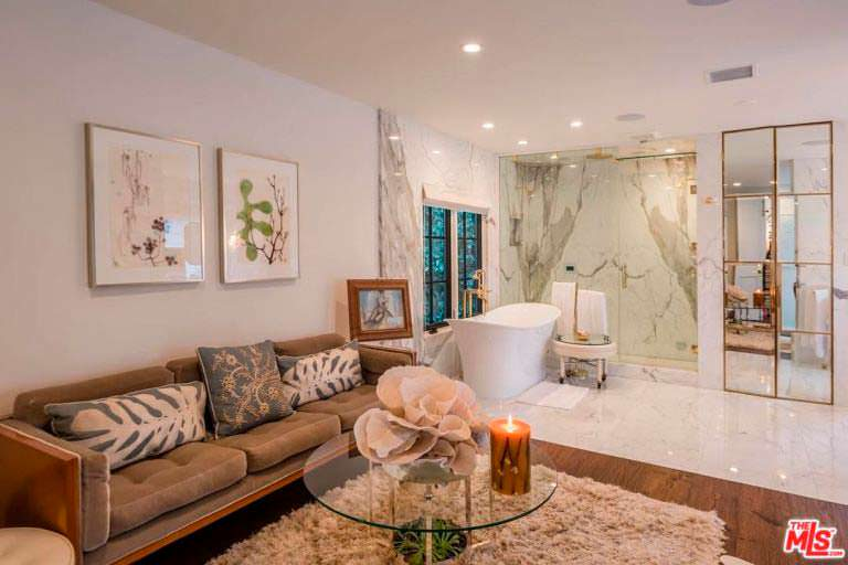 Мрамор в дизайне интерьера дома актрисы Кейт Уолш