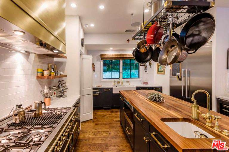 Кухня шеф-повара в доме Кейт Уолш