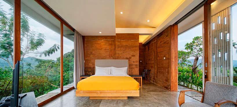 Дизайн панорамной спальни в доме на холме. Проект BPA