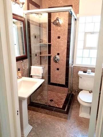 Ванная с душевой кабинкой в доме Опры Уинфри в Чикаго