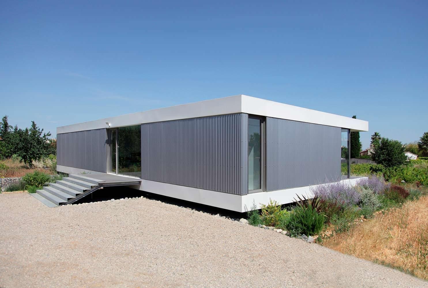 Облицовка дома алюминиевым гофрированным сайдингом