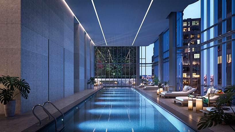 Крытый бассейн для жильцов башни 565 Broome Soho в Нью-Йорке