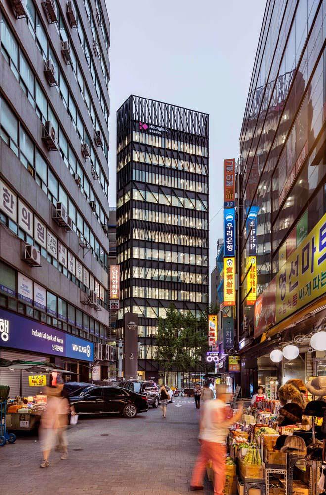 14-этажная башня напротив рынка Намдэмун в Сеуле от Mecanoo
