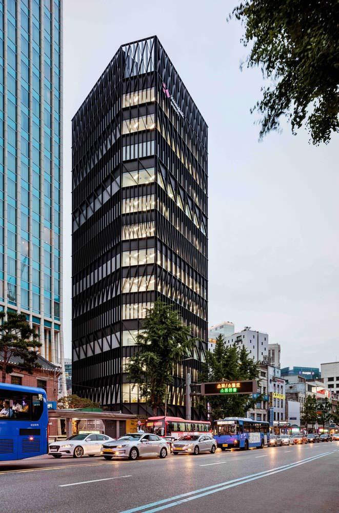 Исторический рынок Намдэмун в Сеуле и новая башня от Mecanoo