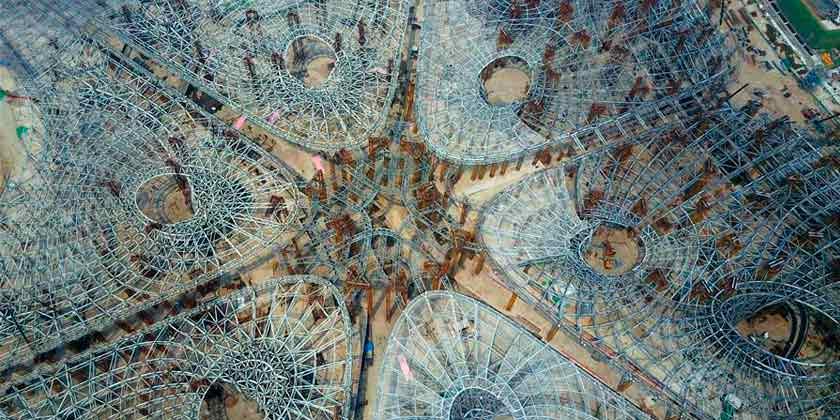 Построен структурный скелет аэропорта в Китае от Zaha Hadid