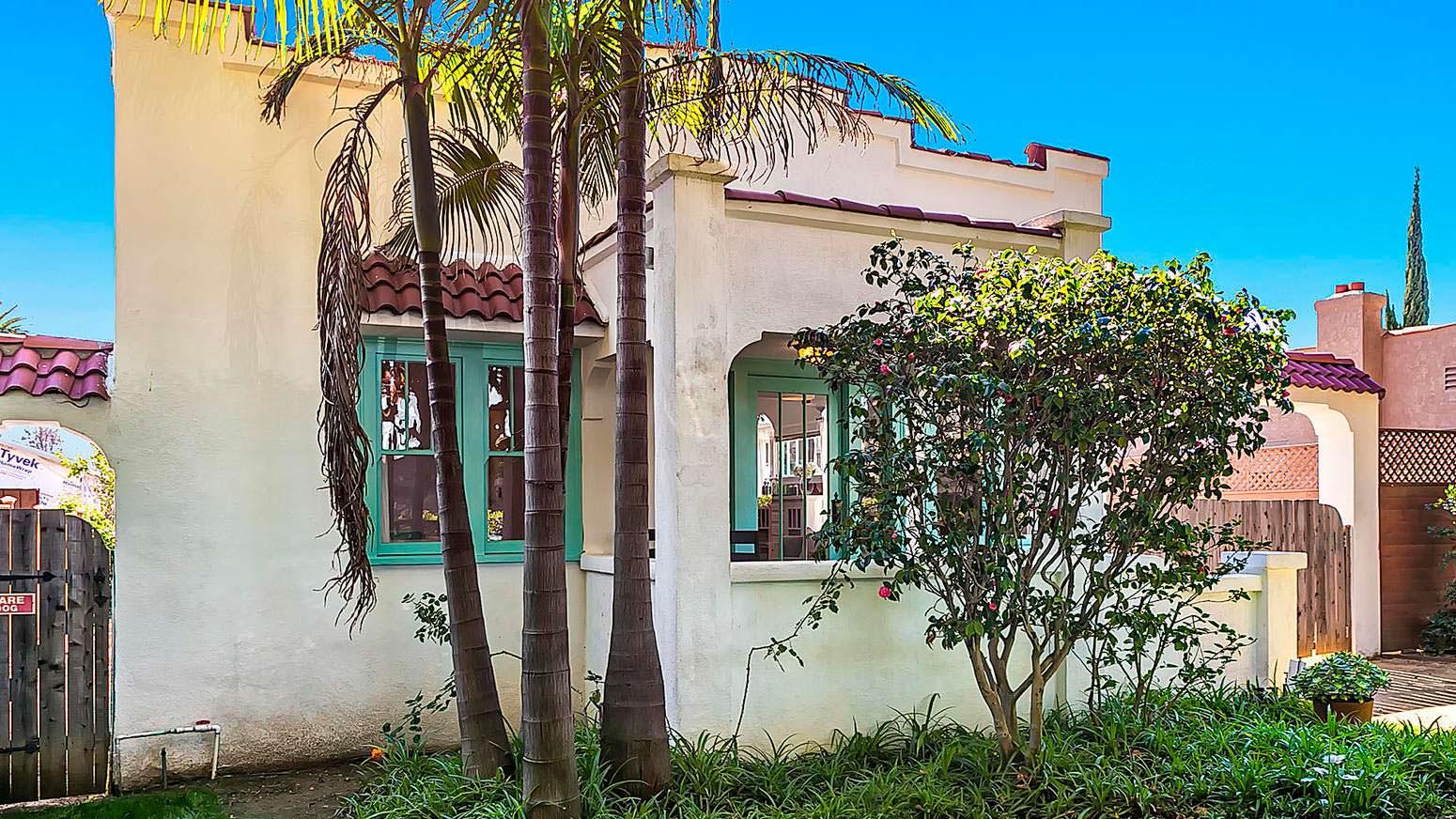 Дом в испанском стиле 1925 года постройки в Лос-Анджелесе