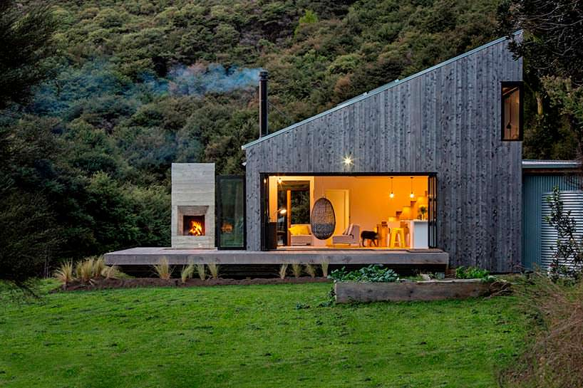 Деревянный домик в Джунглях Новой Зеландии
