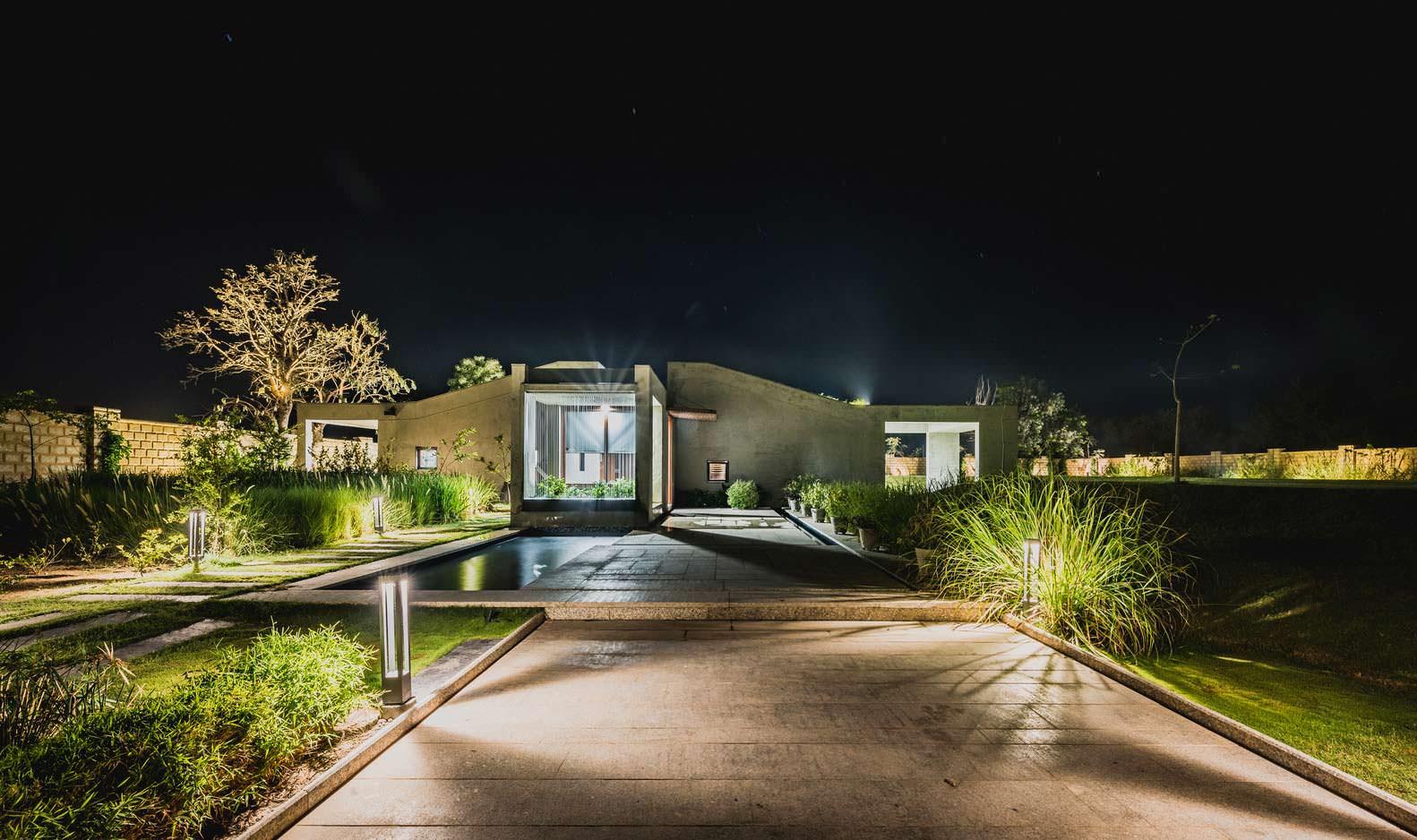 Красивый дом в Индии Outhouse от Misa Architects