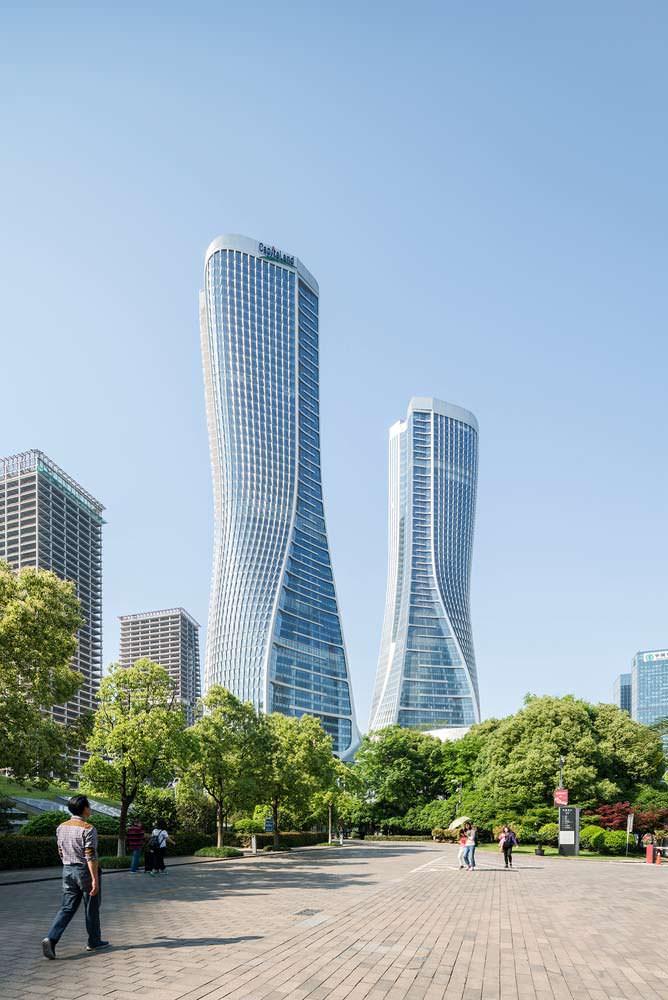 Новый бизнес-хаб из двух башен Raffles City в Гуанчжоу