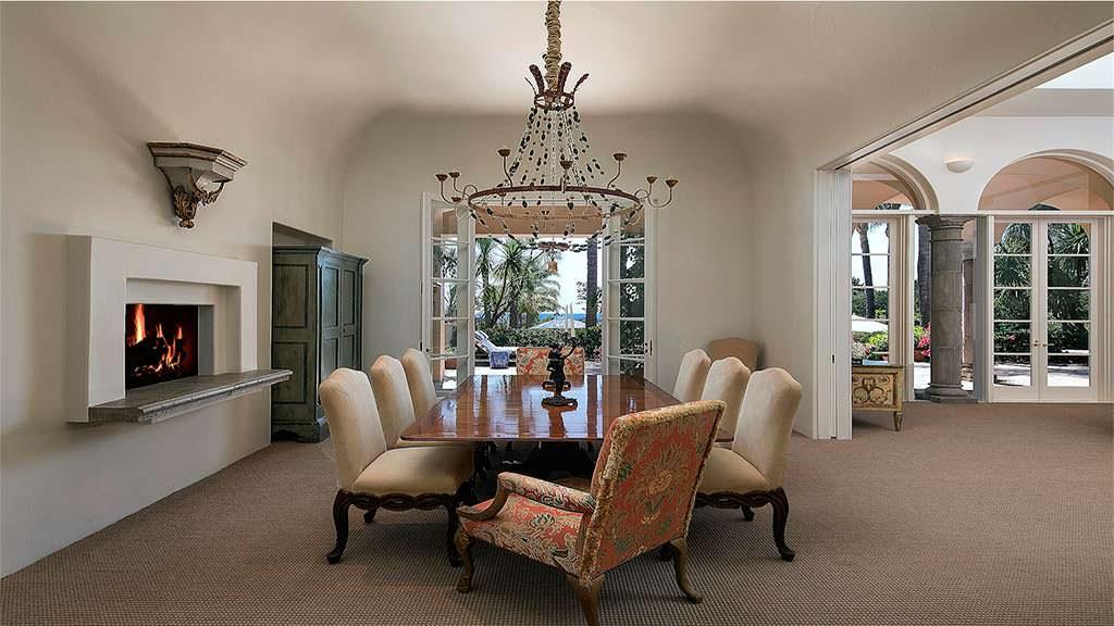 Элитный дизайн столовой с камином