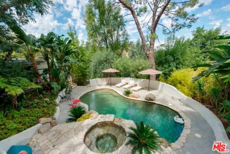 Дом с бассейном на холме актрисы Эллен Помпео