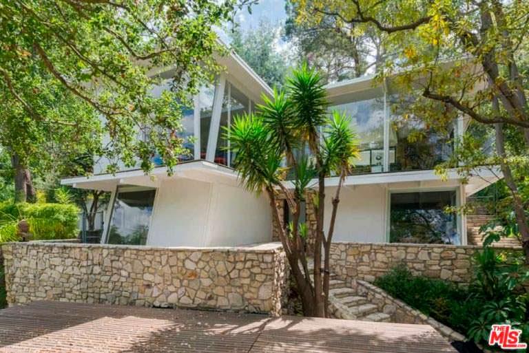 Дом с бассейном в Голливуд-Хиллз актрисы Эллен Помпео