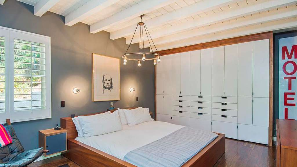 Дизайн спальни в доме актрисы Кэтрин Мённинг