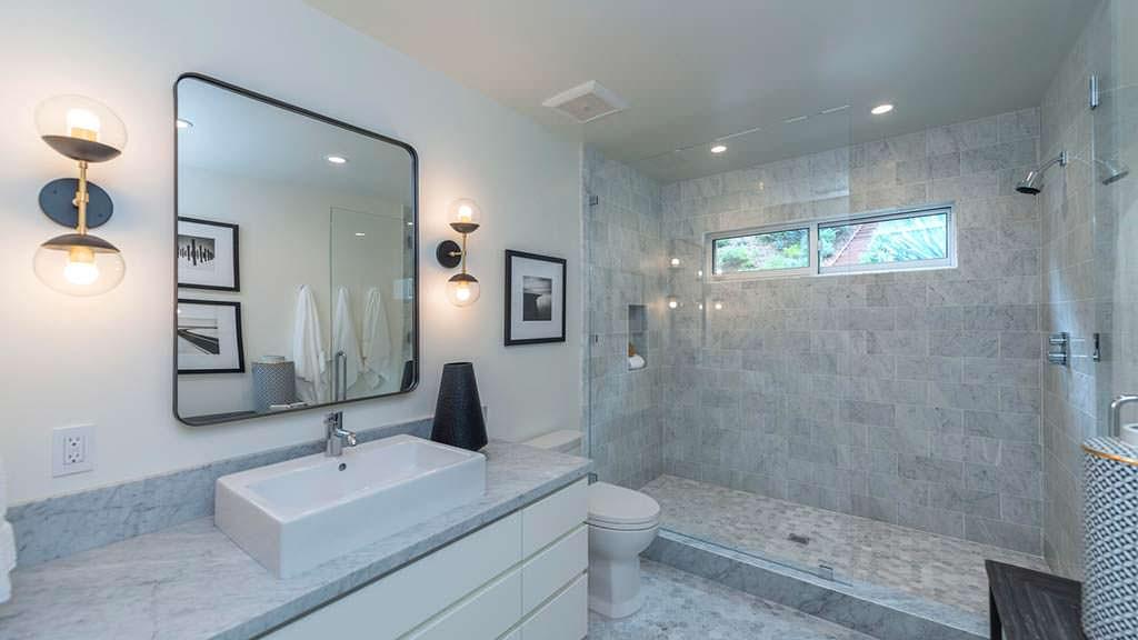 Накладная раковина в ванной Синди Кроуфорд