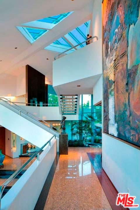 Дом Тайлера Перри в Беверли-Хиллз 90210