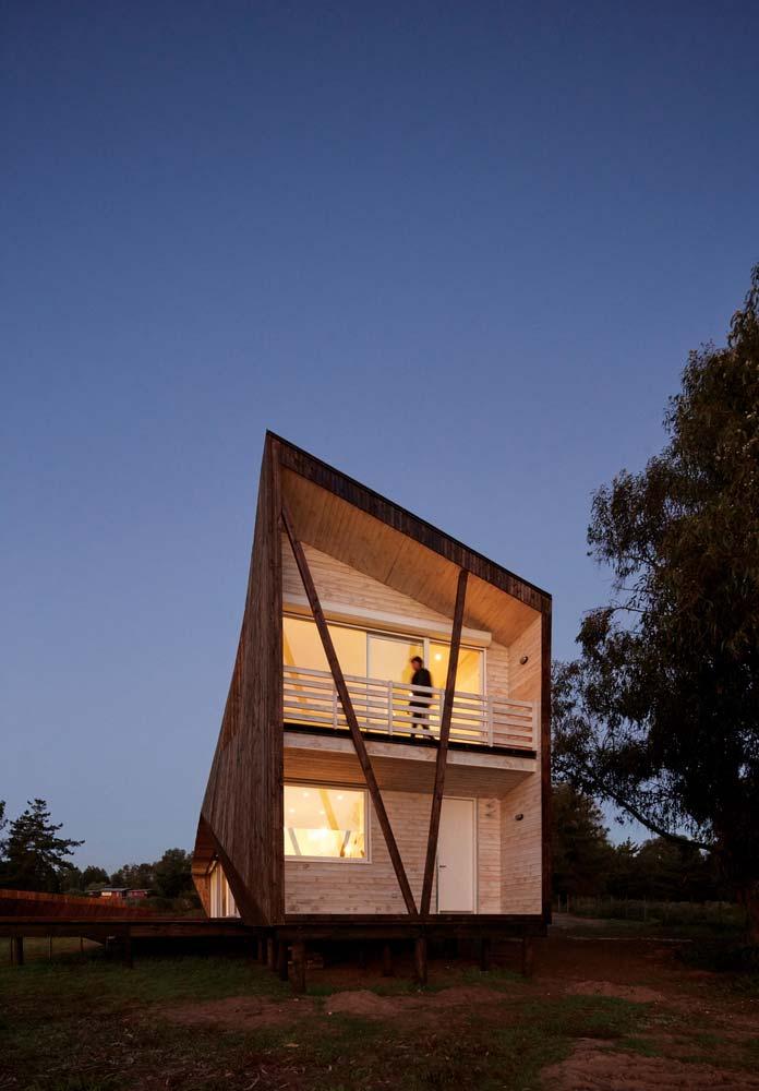Двухэтажный дом в стиле хай-тек