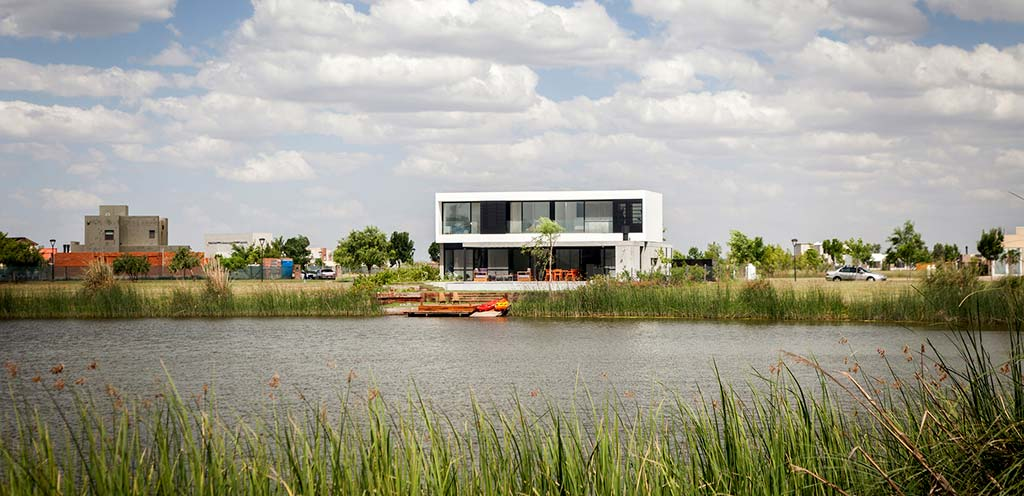 Хай-тек дом House N в Аргентине от Estudio GM ARQ