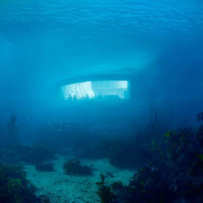 Ресторан под водой на глубине 5 метров в Северном море