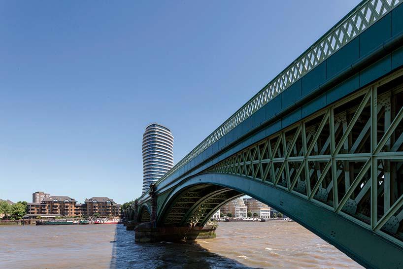 28-этажная башня Lonbard Wharf на берегу Темзы у моста