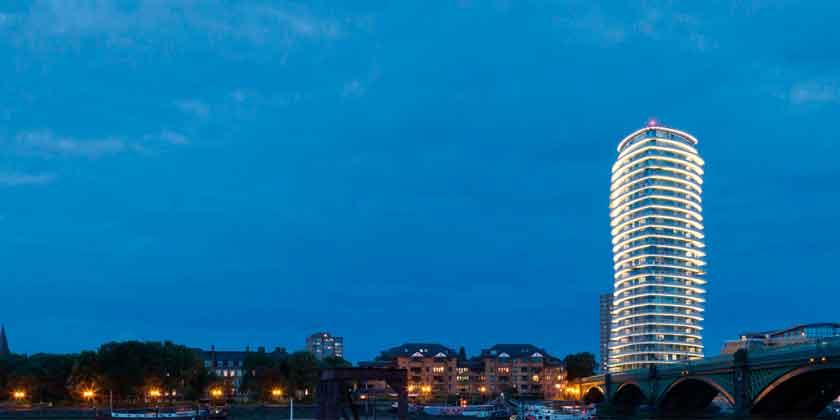 В Лондоне построена танцующая башня студии Patel Taylor