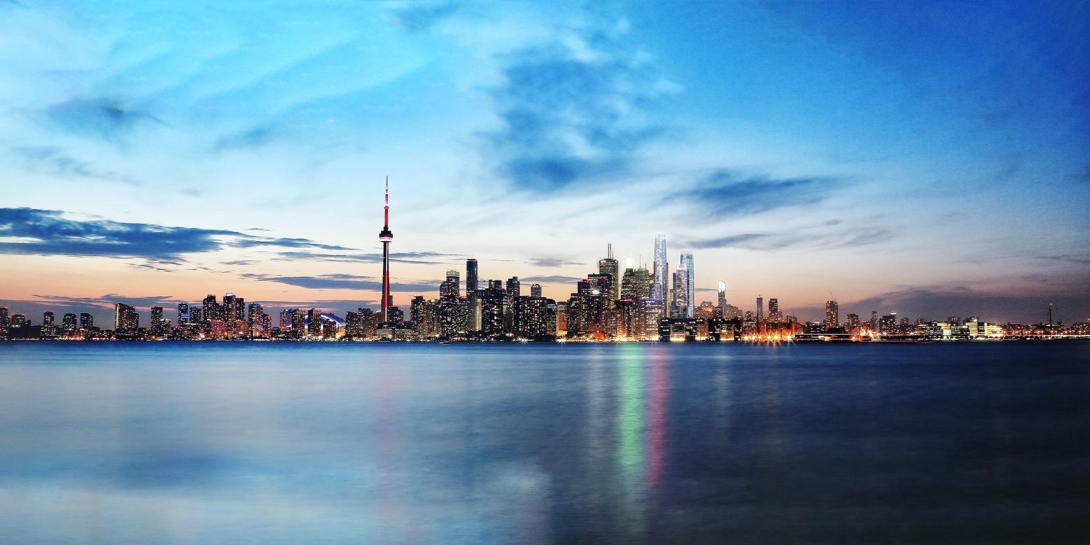 Набережная Торонто и бизнес-кластер One Yonge