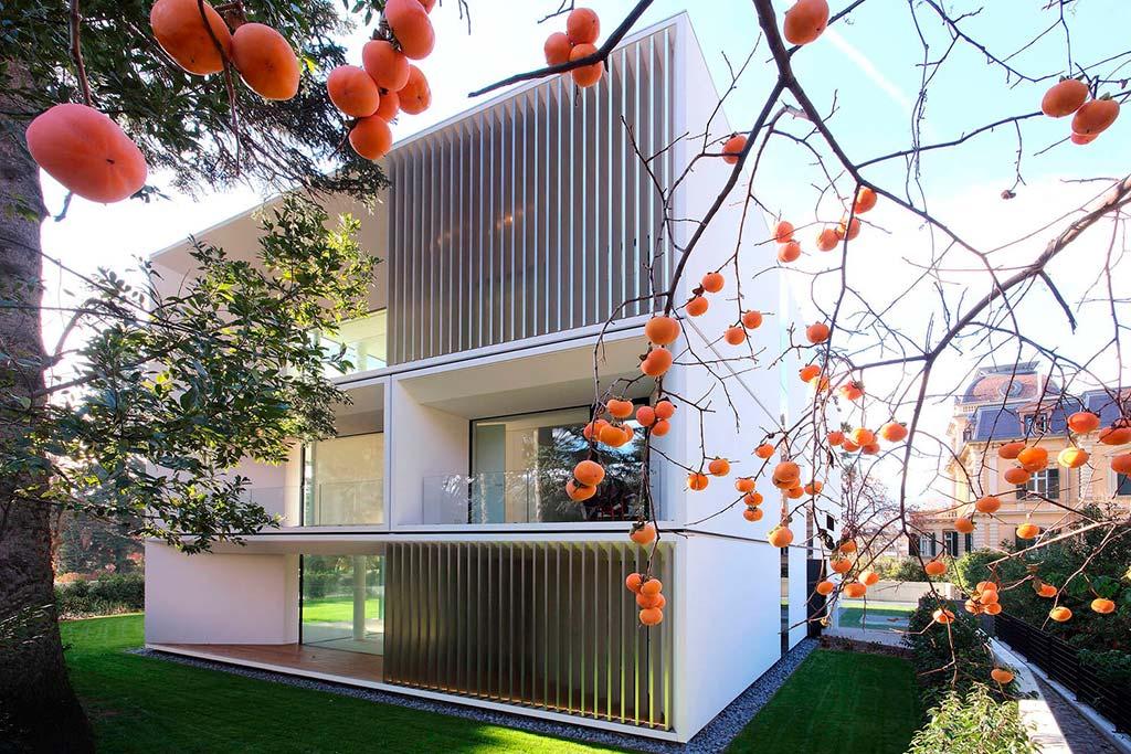Красивый трехэтажный многоквартирный дом. Проект JMA