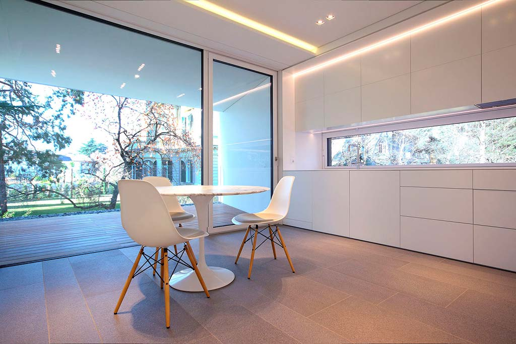 Белая кухня в современном стиле от итальянской студии JMA