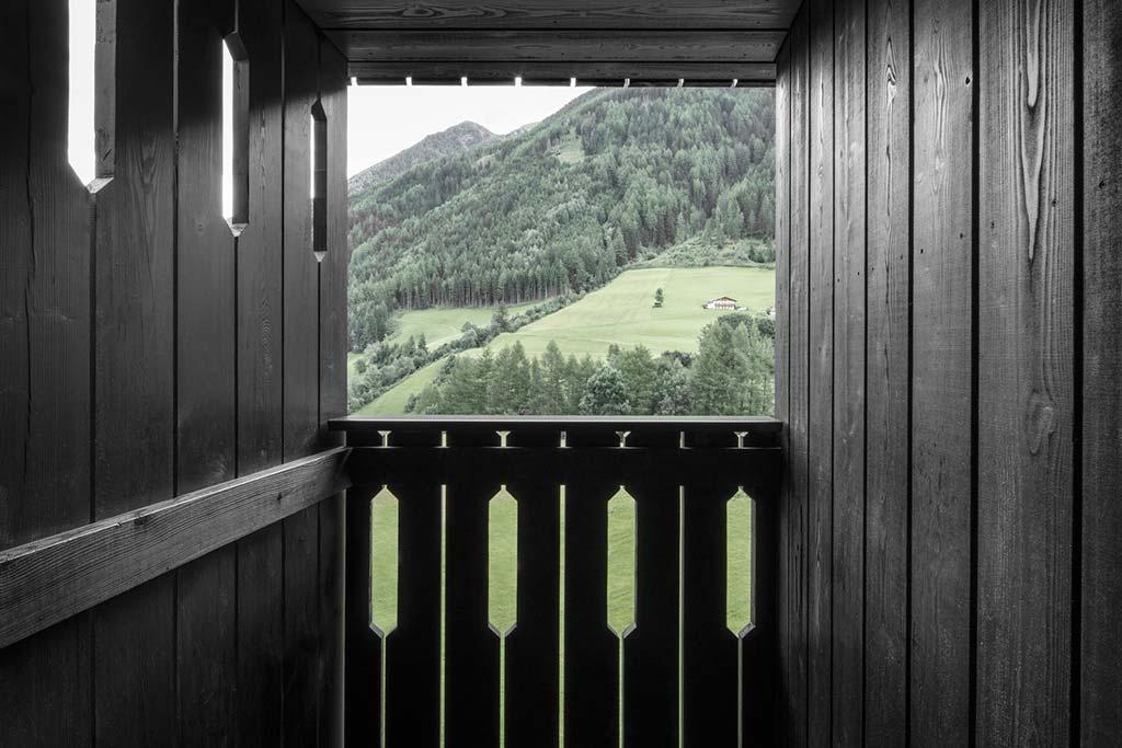 Красивый отель с видом на горы в Больцано