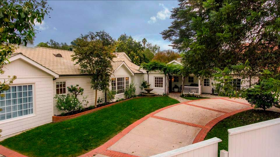 Дом Майкла Чиклиса в Шерман-Окс, Лос-Анджелес