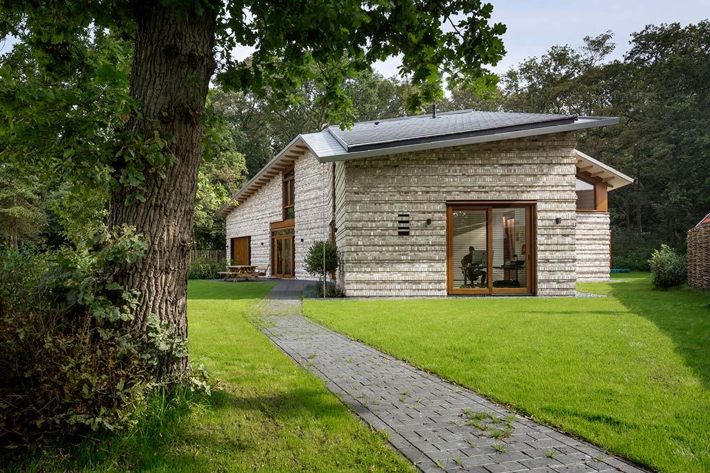 Современный дом для большой семьи от Moke Architecten