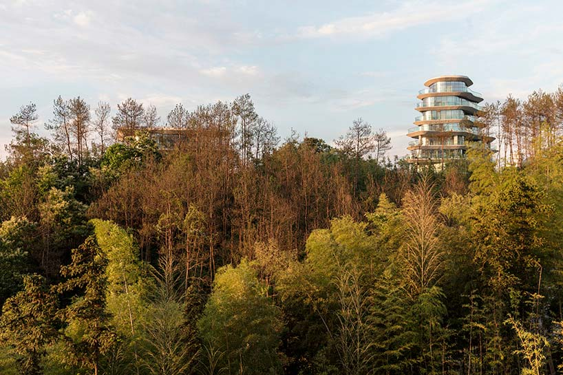 Горная деревняHuangshan Mountain Village от MAD Architects