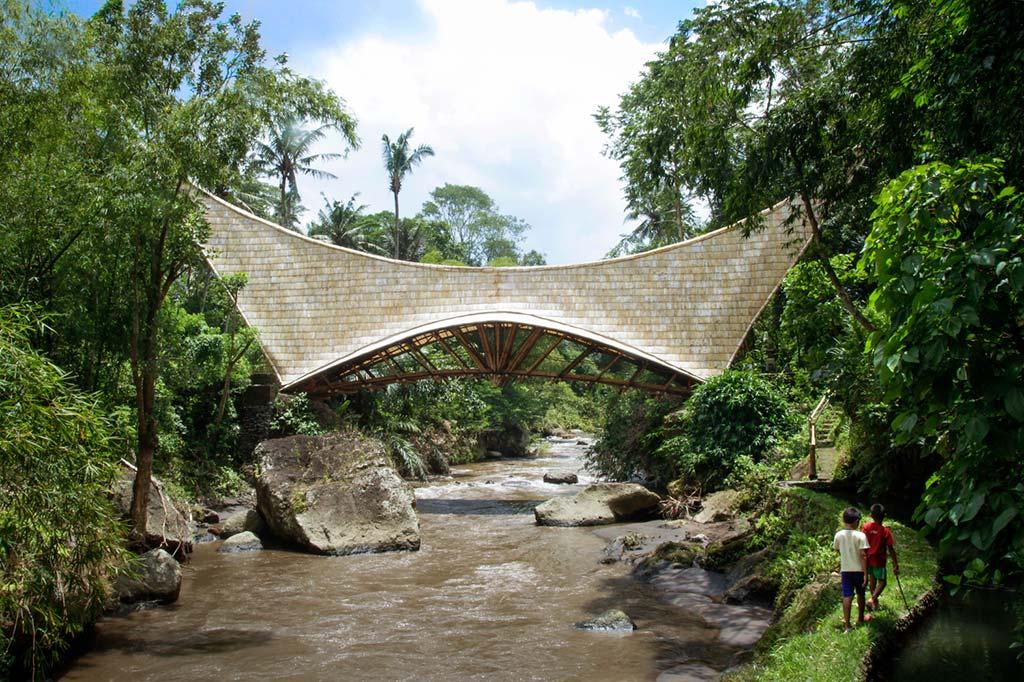 Деревянный мост без единого гвоздя на Бали