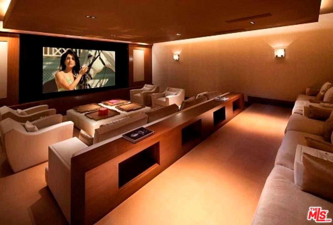 Собственный кинотеатр в доме Зигги Марли