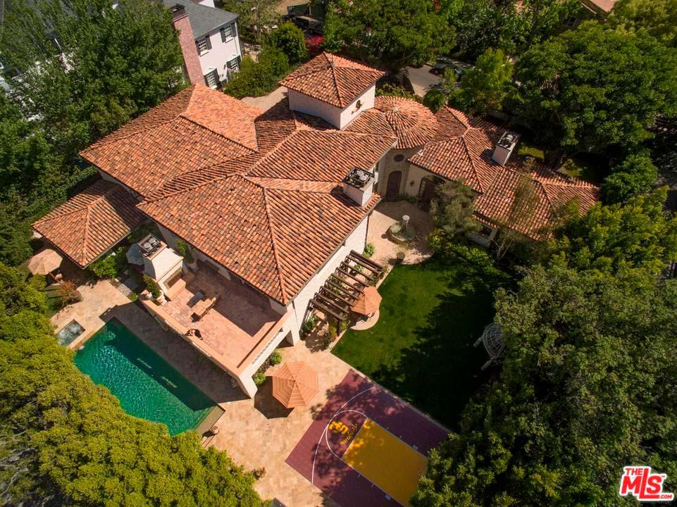 Дом в испанском стиле в Лос-Анджелесе