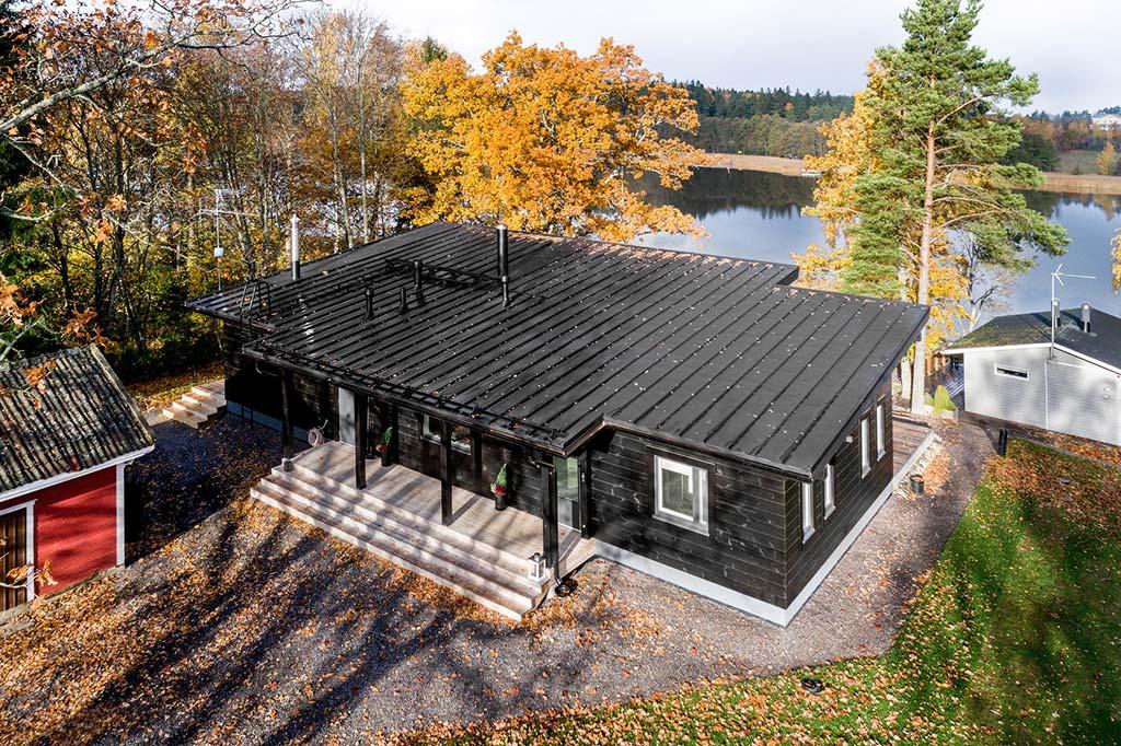 Дом у озера в Финляндии. Проект Pluspuu Oy
