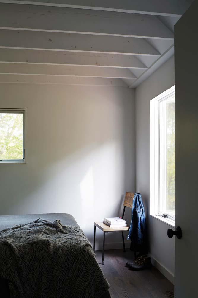 Деревянные балки потолка в интерьере дома от TAKATINA LLC