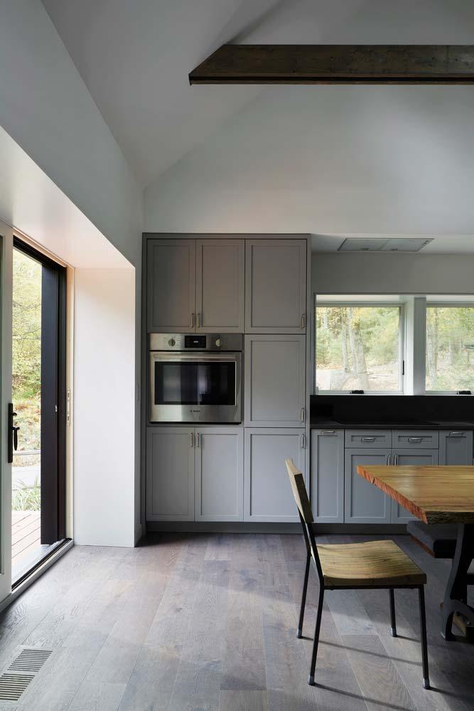 Интерьер в деревенском стиле загородного дома от TAKATINA LLC