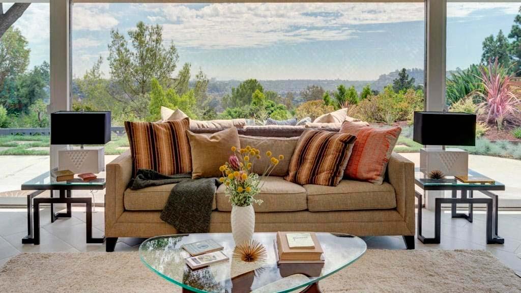 Вилла с панорамным видом на горы в Калифорнии