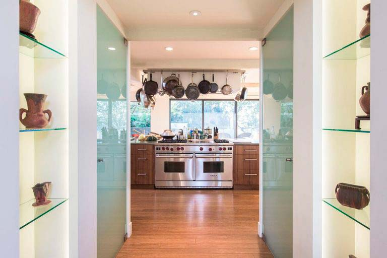 Кухня открытой планировки