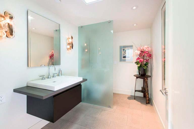 Дизайн ванной комнаты с душевой