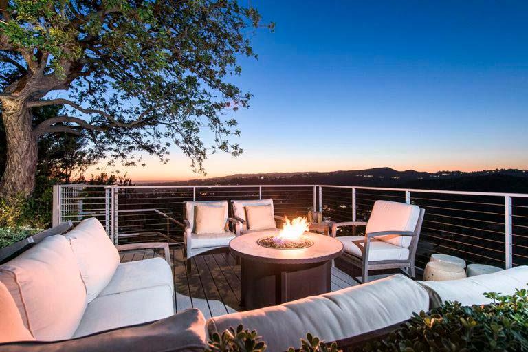 Дом в Беверли-Хиллз с видом на Лос-Анджелес