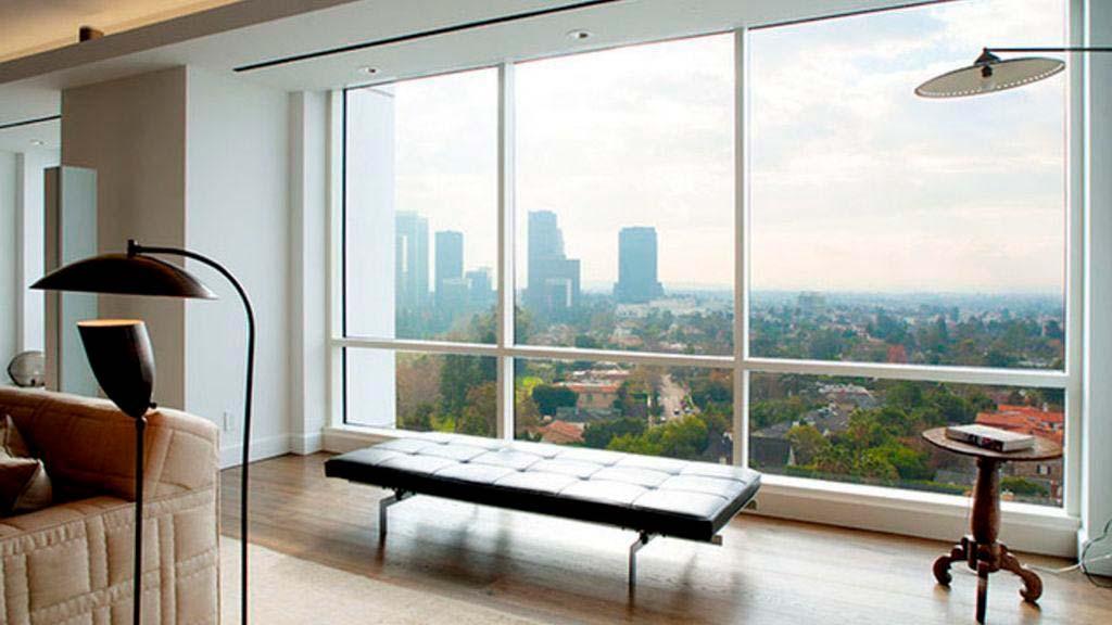 Вид на Лос-Анджелес из окон квартиры Эллен Дедженерес