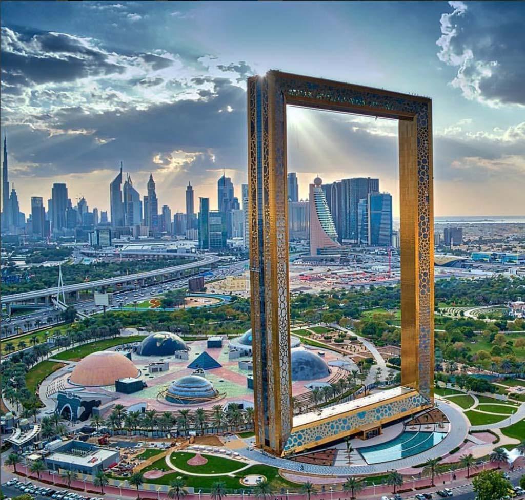 Самая большая картинная рамка в мире. Дубай