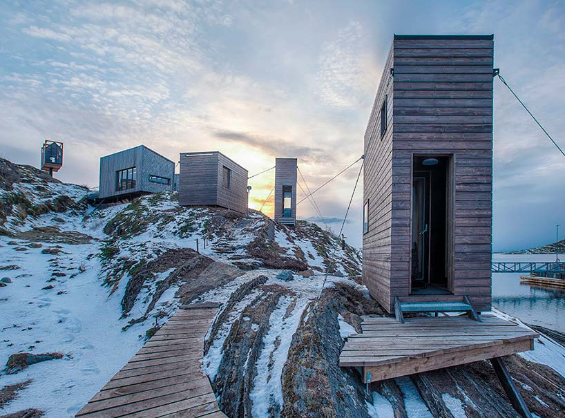 Дома на скалистом берегу. Проект TYIN Tegnestue