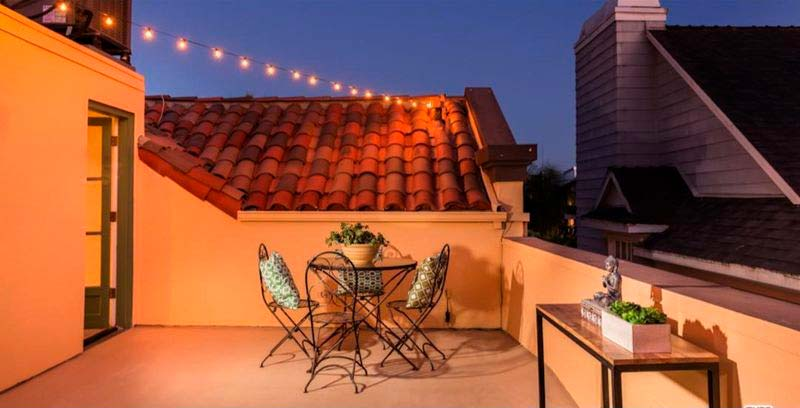Терраса на крыше дома у Тихого океана