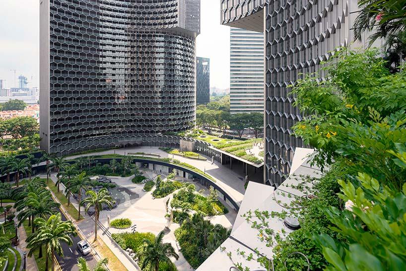 Скульптурные башни DUO с садами в Сингапуре