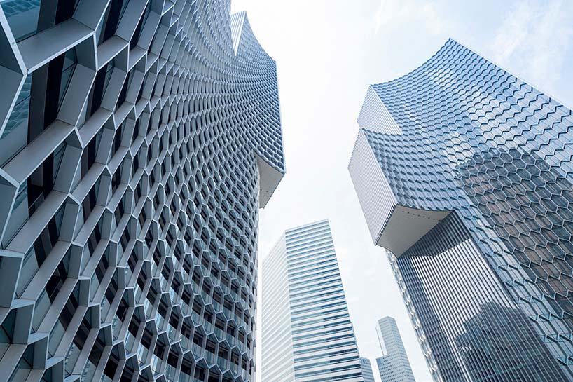 Сотовый фасад башен DUO в Сингапуре